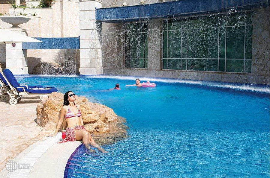 Al Murooj Rotana Hotel & Suites Dubai 3