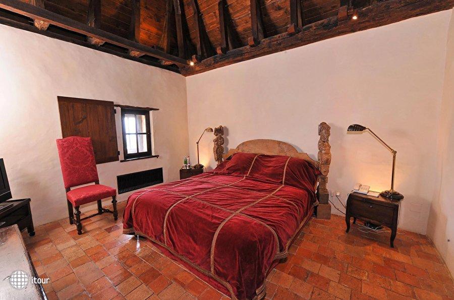 Chateau De Bagnols 8