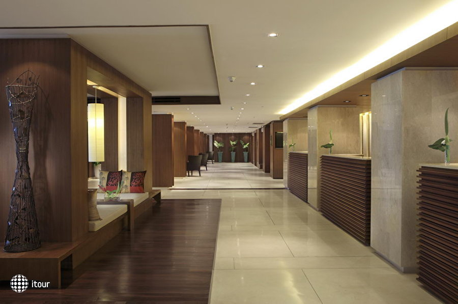 Courtyard By Marriott Phuket At Patong Beach 8