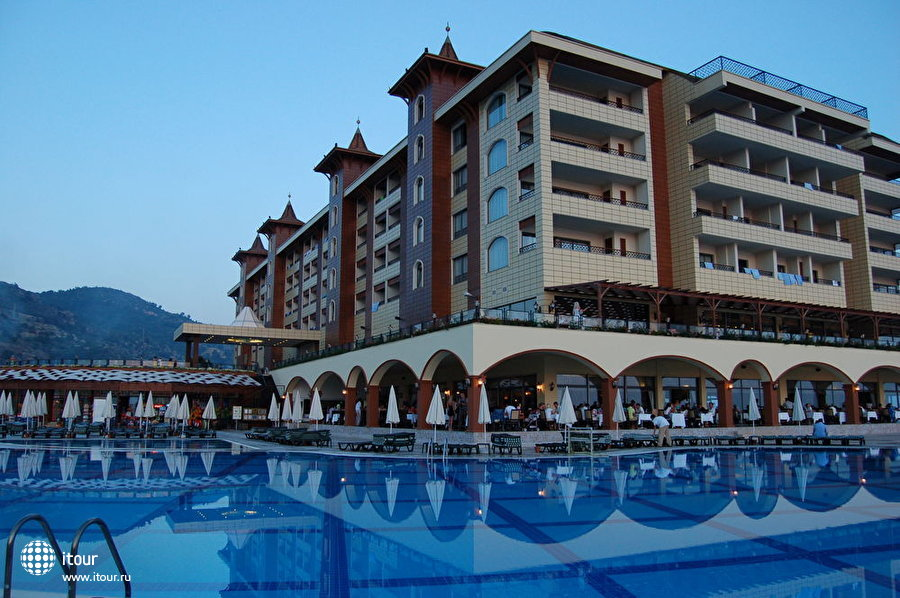 Utopia World Hotel 6