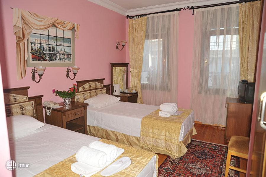 Artefes Hotel 3