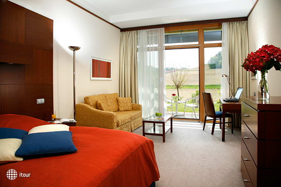 Spa & Conference Hotel Loipersdorf Thermal Resort 3