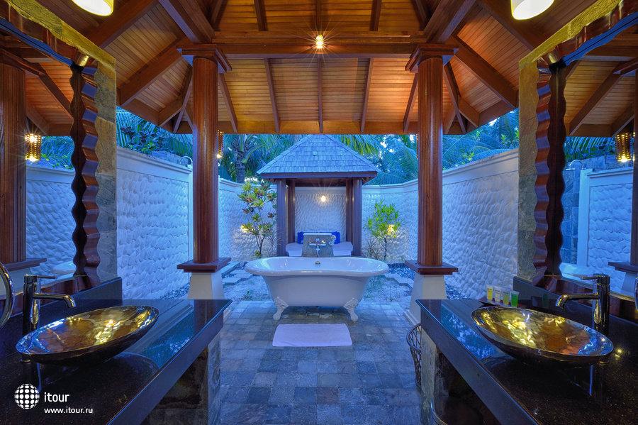 Olhuveli Beach & Spa Resort 11