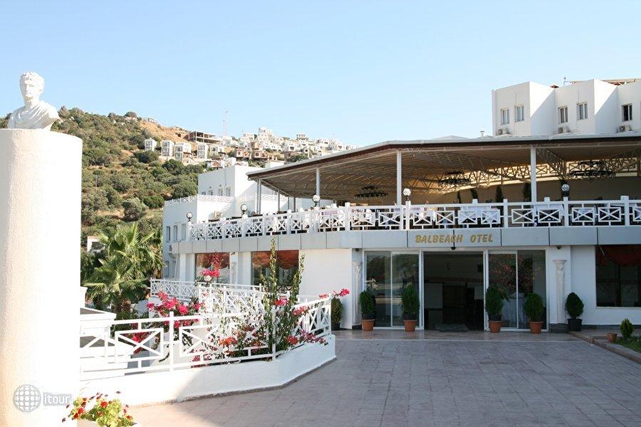 Bal Beach Hotel 9