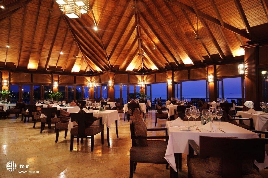 Olhuveli Beach & Spa Resort 16
