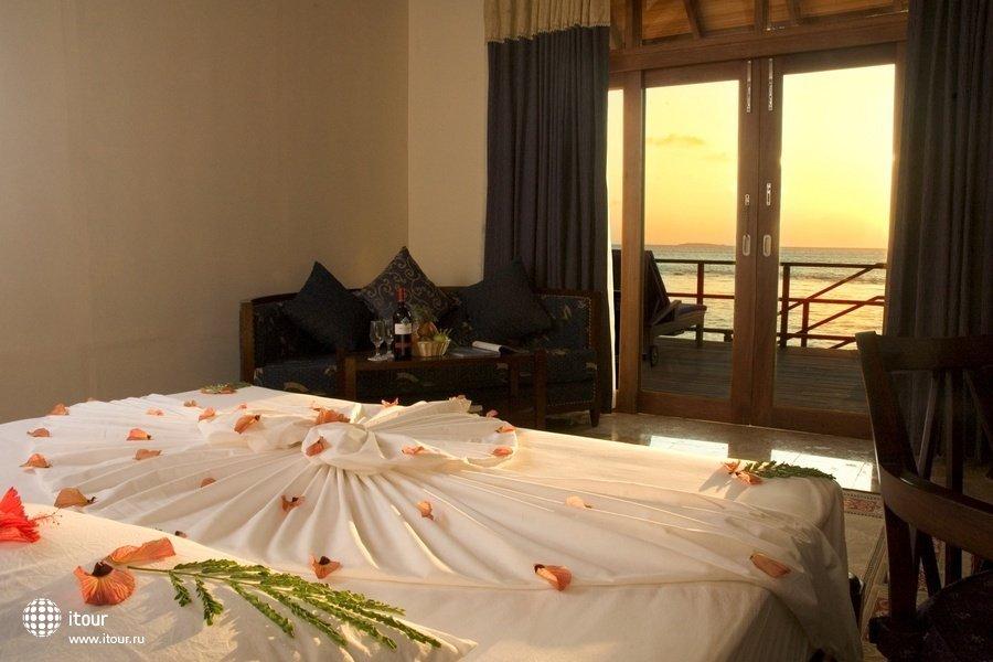 Olhuveli Beach & Spa Resort 19