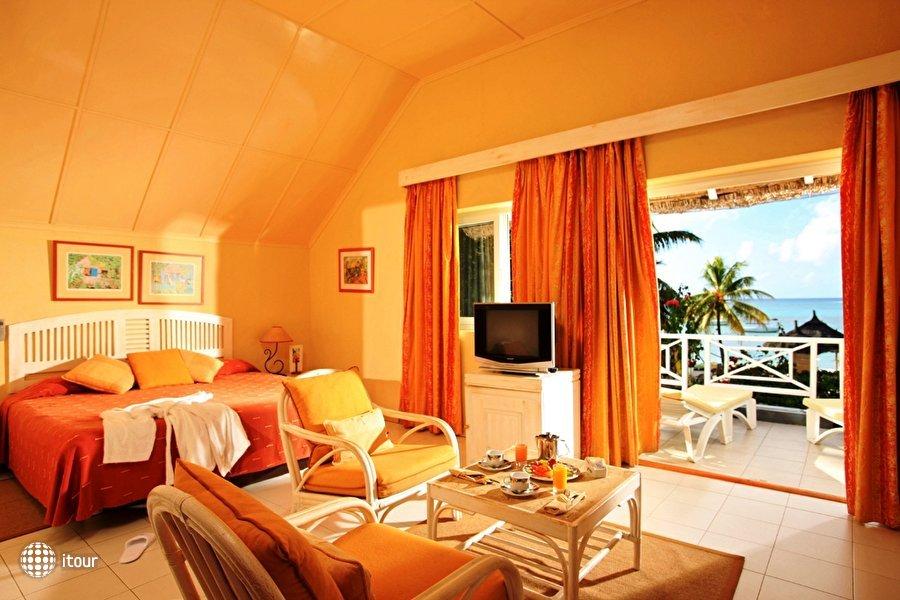 Merville Beach Hotel 3