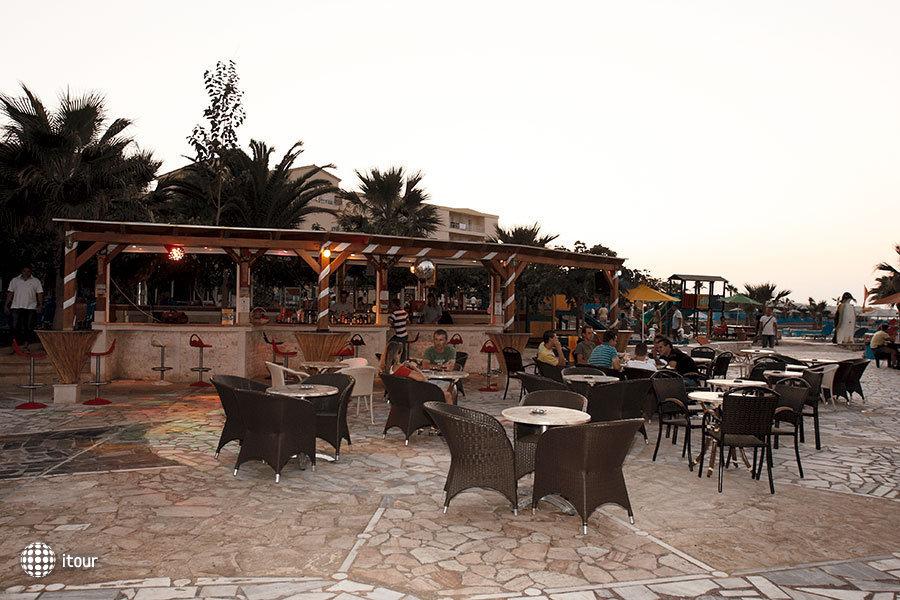 Eri Beach 5
