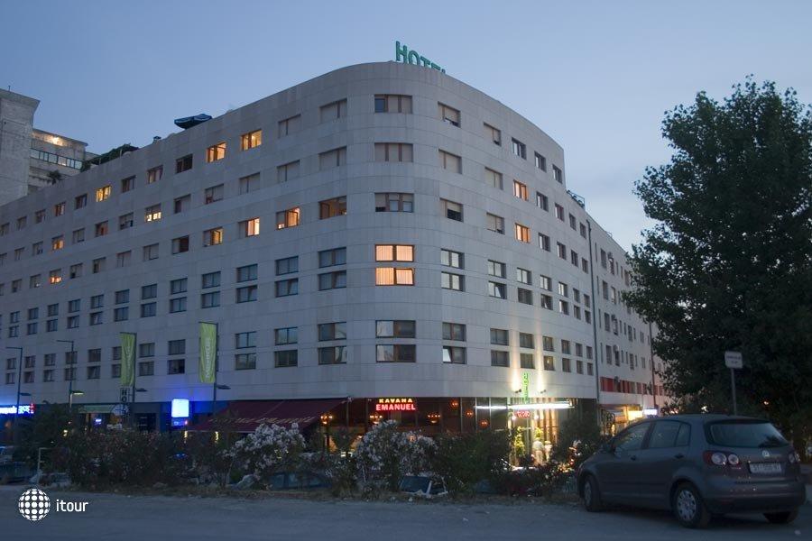 Globo Hotel 7