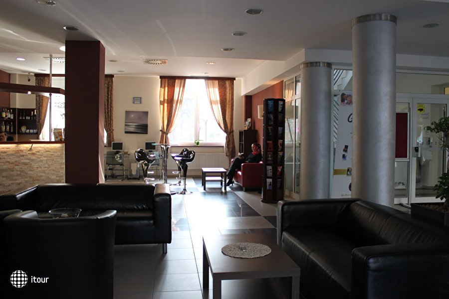 Extol Inn 5