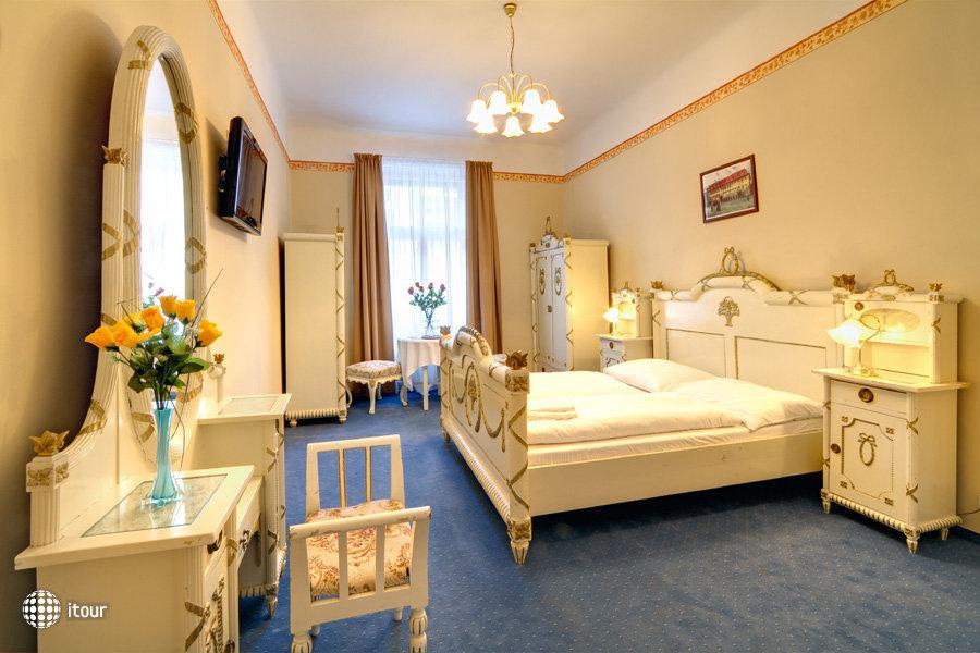 Hotel Taurus 8