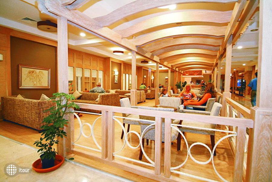 Alba Queen Hotel 2