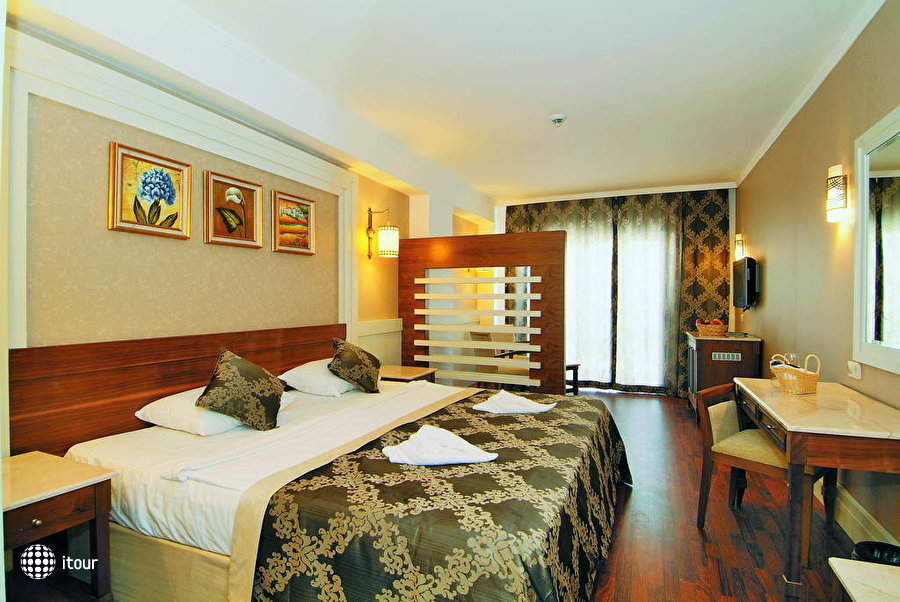 Alba Queen Hotel 4