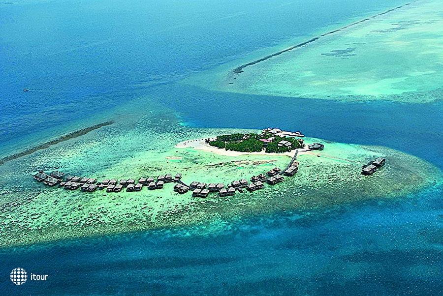 Adaaran Prestige Vadhoo (ex. Vadhoo Island Resort) 1