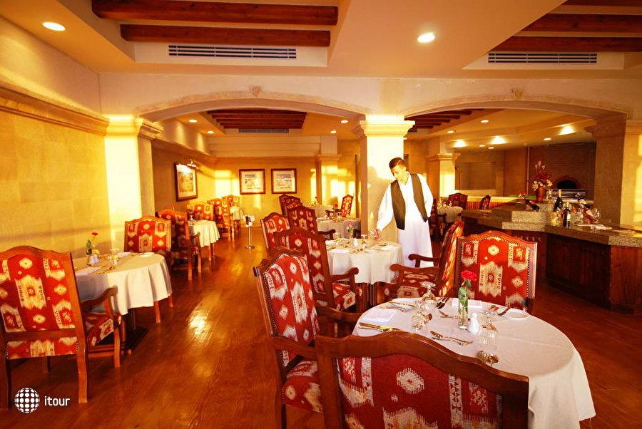 Old Palace Resort 8