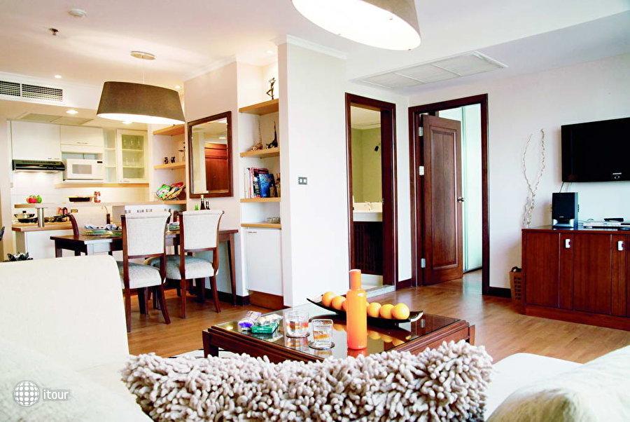 Bandara Suites Silom 3