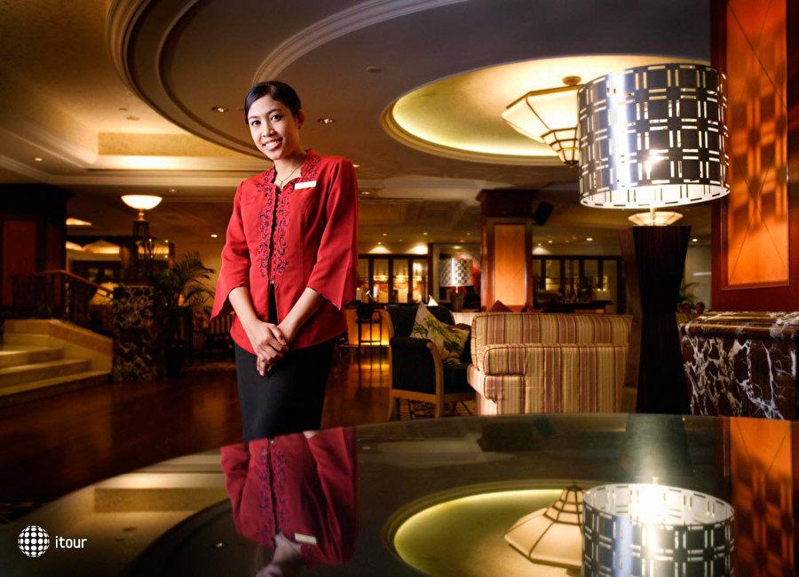 Crown Plaza Hotel 3