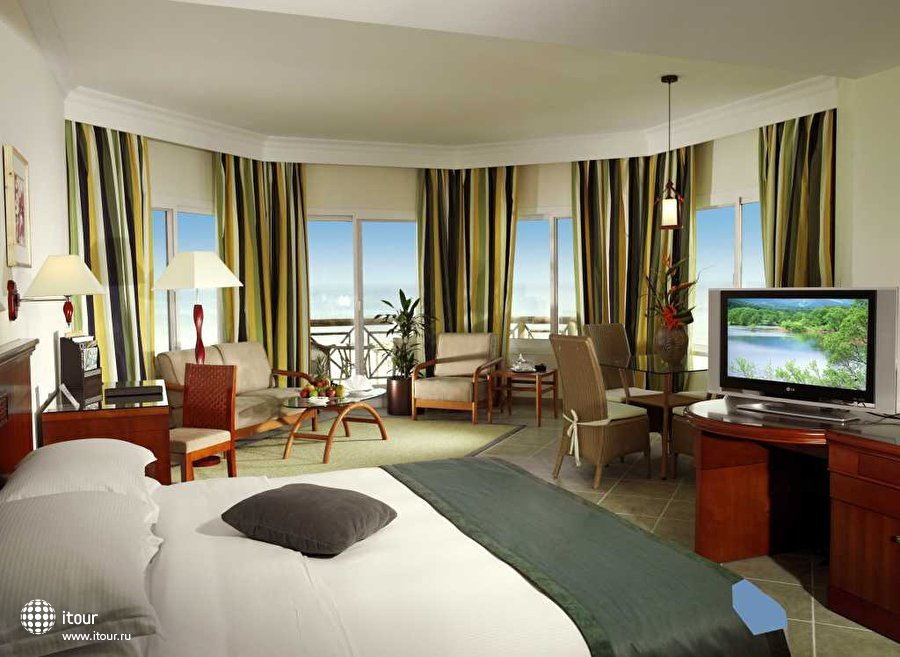 Fujairah Rotana Resort & Spa 4