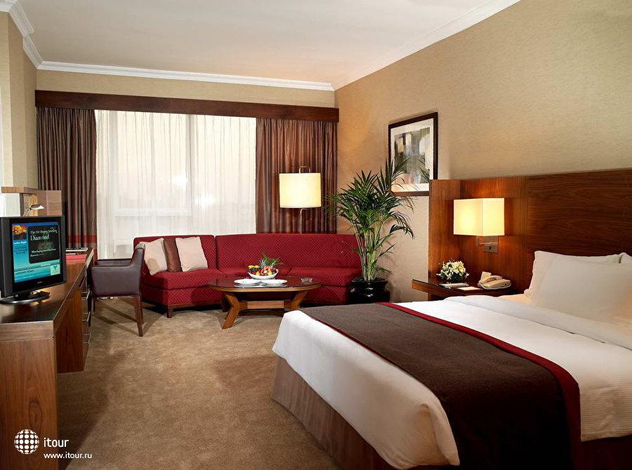 Jumeirah Rotana Hotel 5