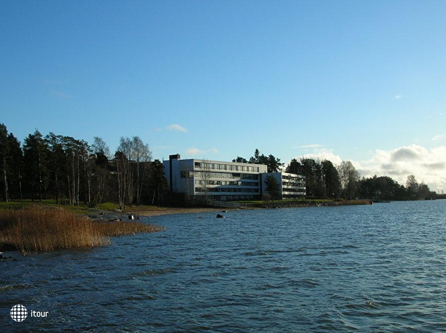 Hilton Helsinki Kalastajatorppa 1