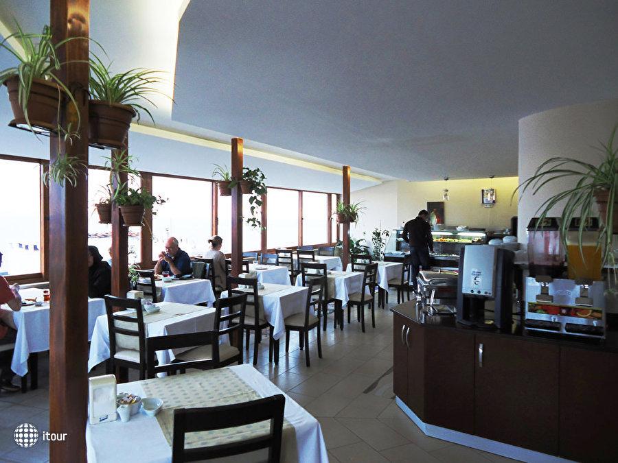 Artefes Hotel 4