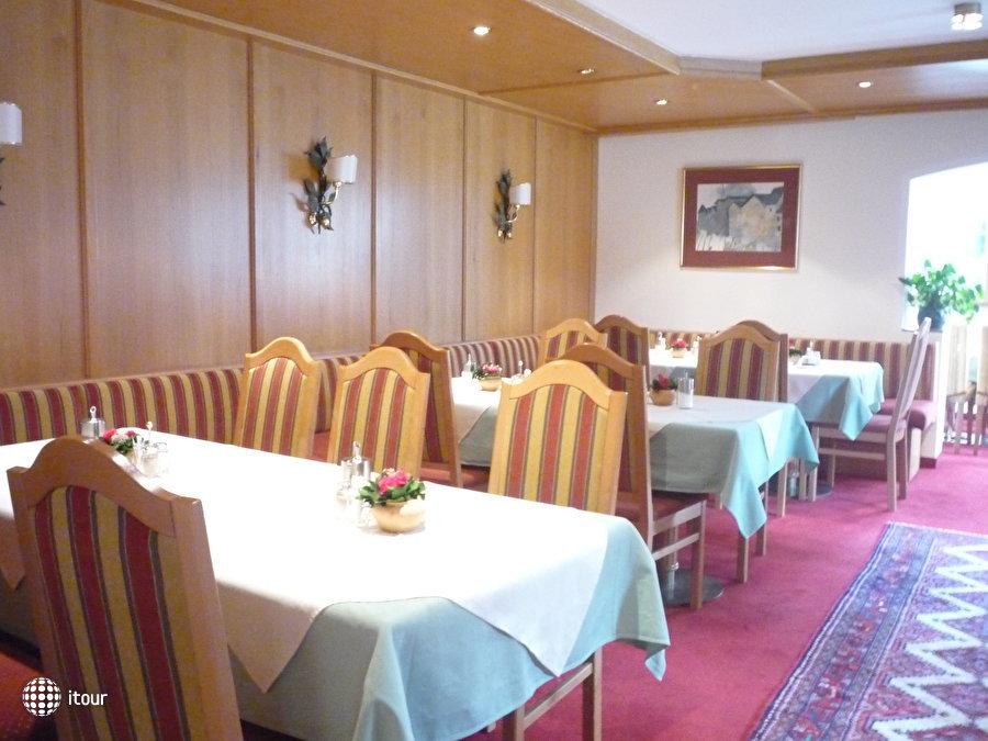 Resch Hotel 8