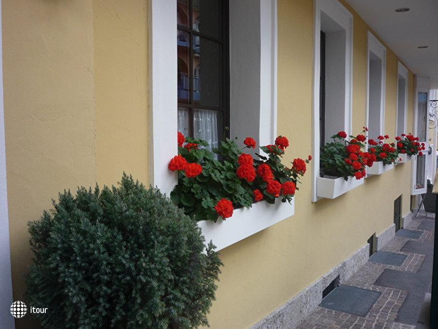Oesterreichischer Hof 3