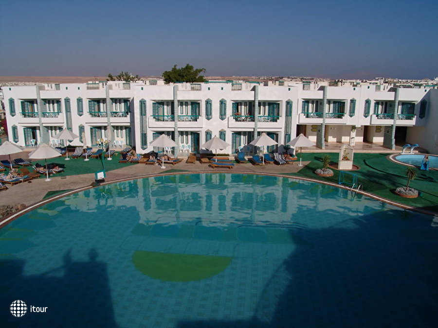 Sharm Holiday Resort 12