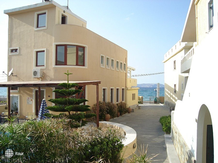Niros Beach Aparts 9