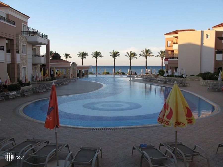 Alexandra Beach Resort 8
