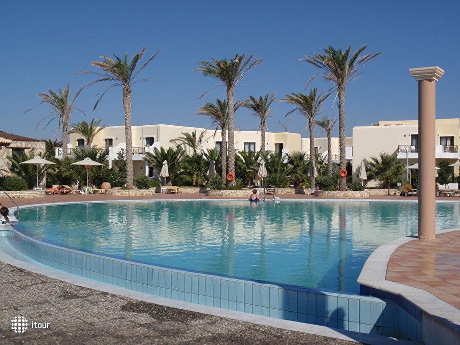 Ostria Beach Hotel 5