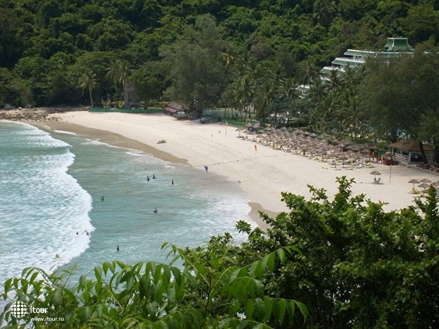 Le Meridien Phuket Beach Resort 1