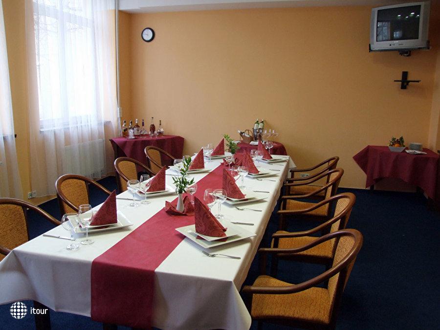 Extol Inn 9