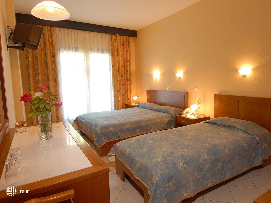 Brown - Atrium Hotel 3