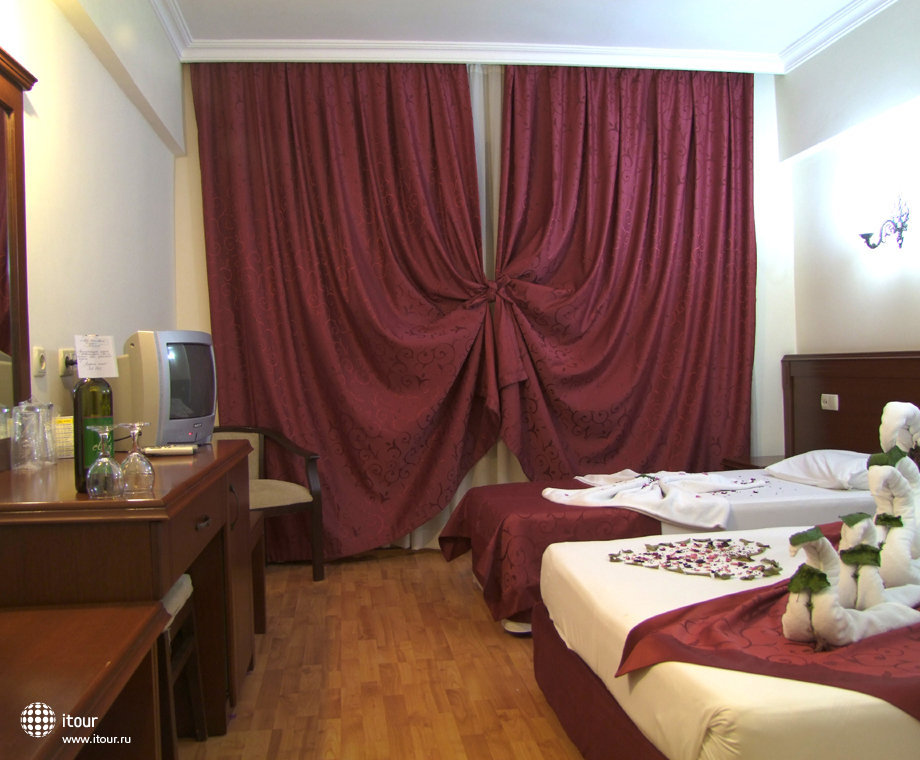 Stella Hotel 4