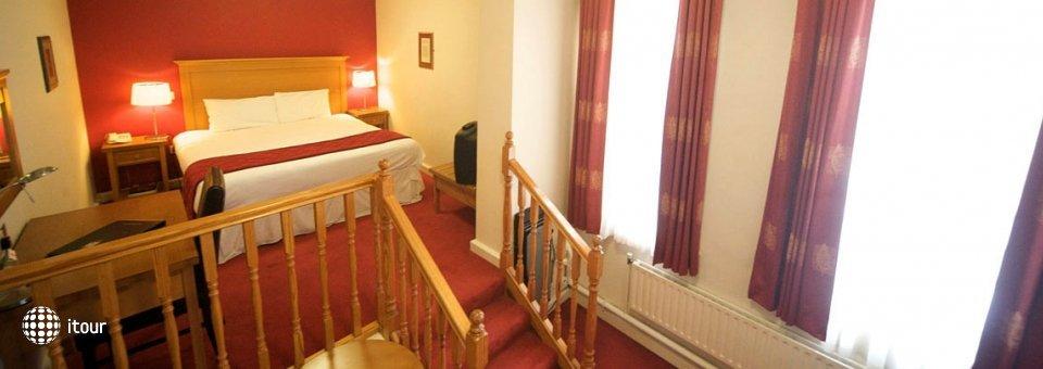 Isaacs Cork Hotel 7