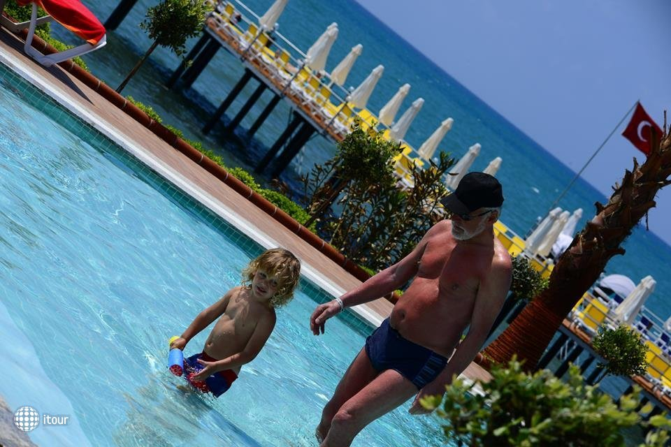 Vikingen Infinity Resort 8