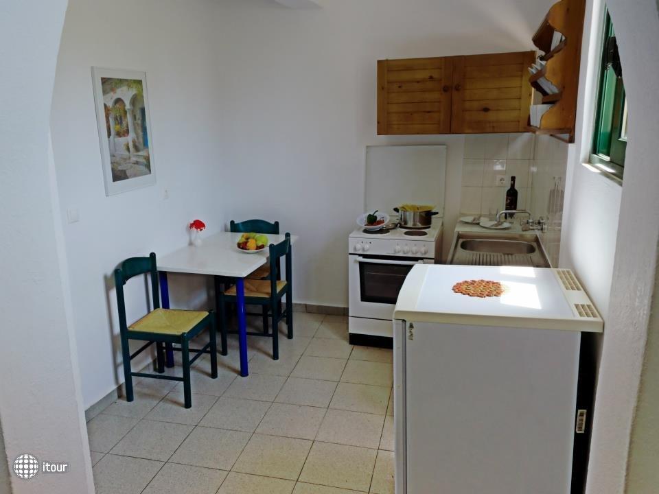 Anthi Maria Apartments 5