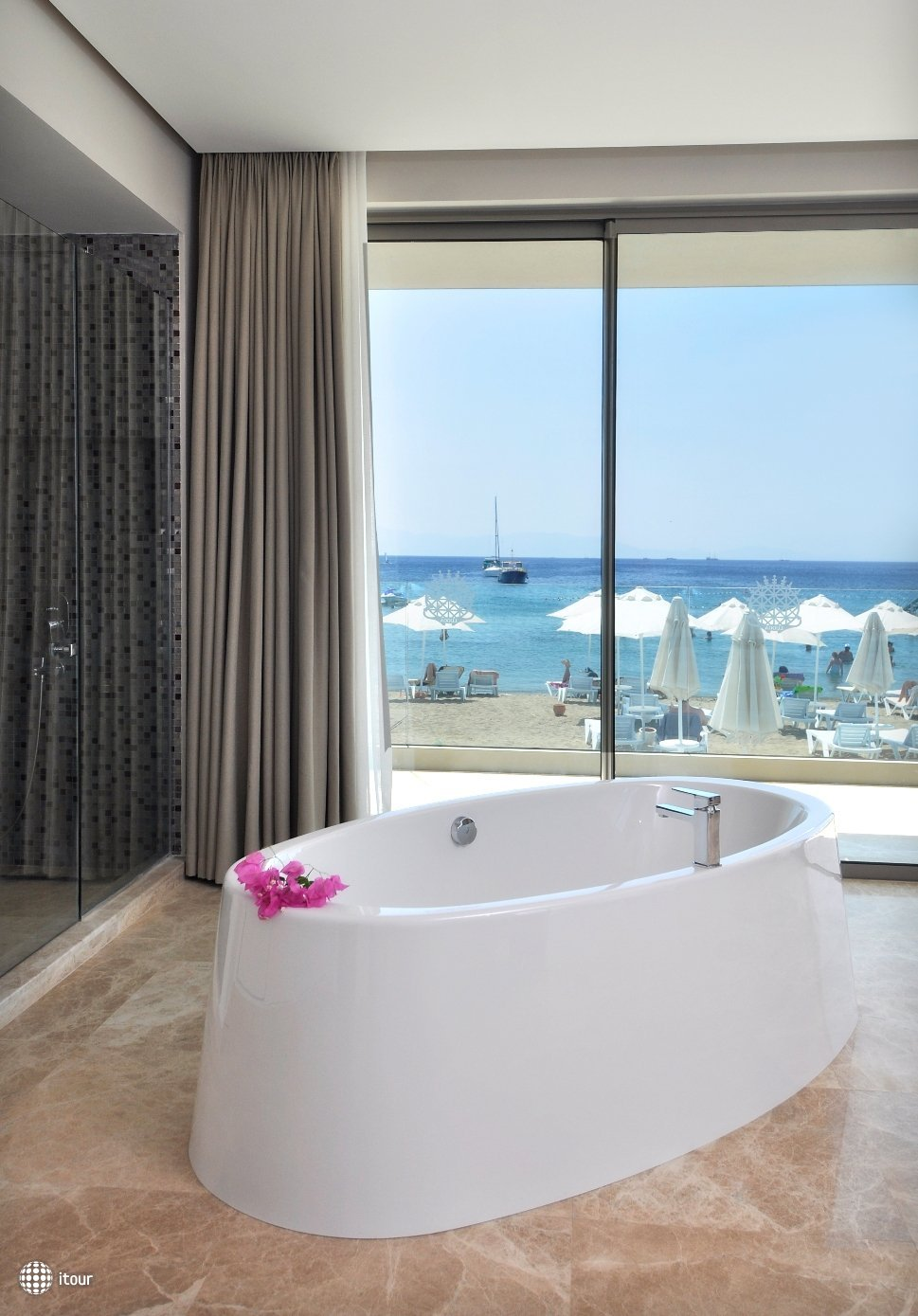 Lugga Beach Boutique Hotel 7