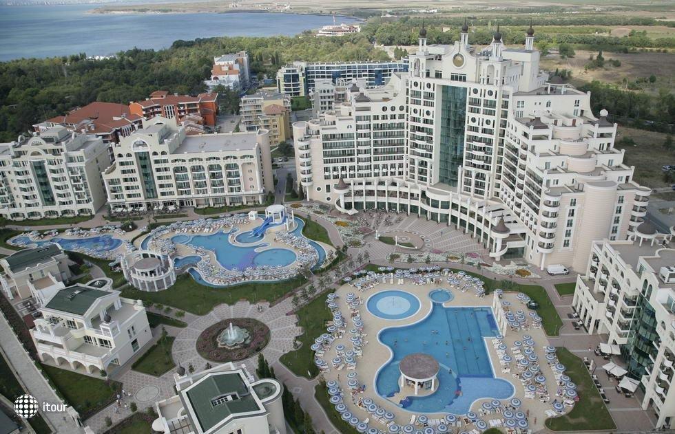 Sunset Resort 1