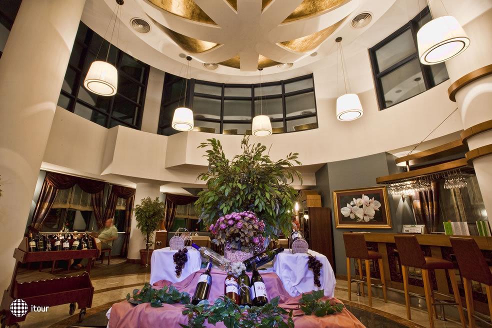 Cornelia De Luxe Resort 8