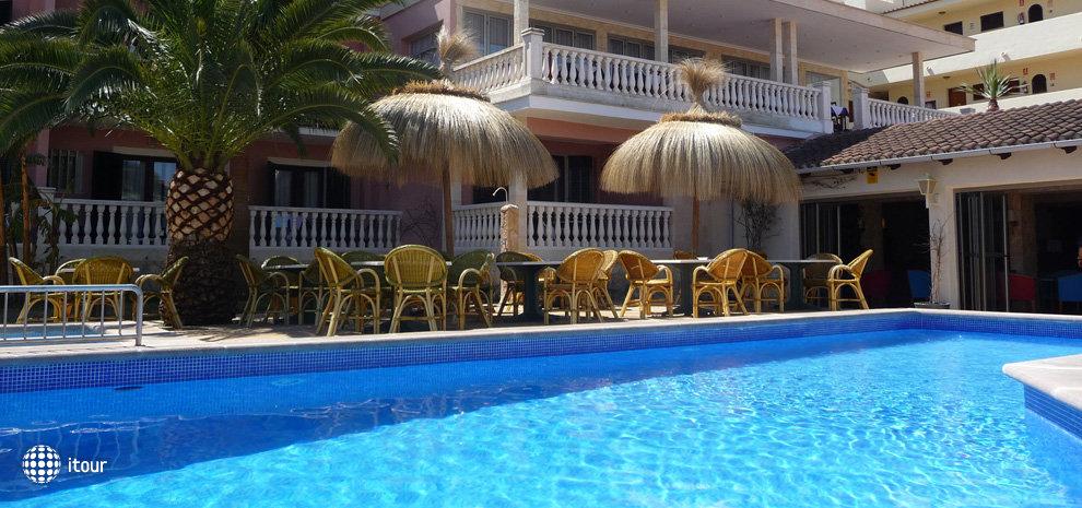 Hotel Port 9 (ex. Bon Repos) 1