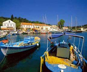 Крит - самый крупный и самый южный остров Греции, по форме.